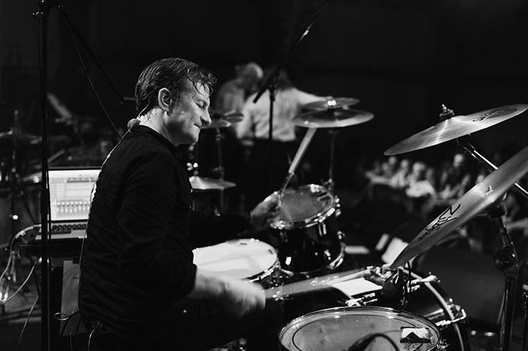 Tobias Weltzer fra bandet Fremmand. Færøsk band.